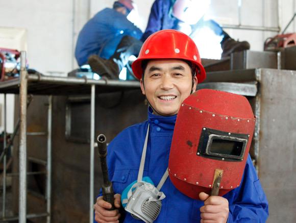 [职通车]农民工到技术创新带头人 他靠的是一把焊枪