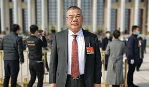 全国政协委员王春儒