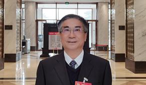 全国政协委员王焰新