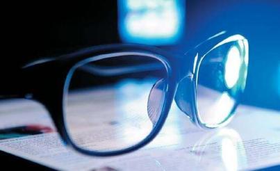 防蓝光眼镜真能预防儿童近视?