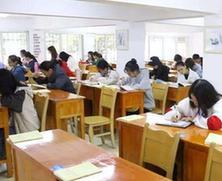 国内高校严把教学关 大学生学业辅导需求量越来越高