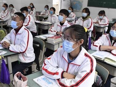四川高三學生開學 熟悉又陌生的校園終于等到你!