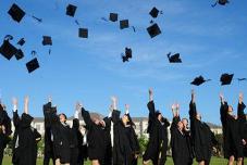 毛入学率达51.6% 高等教育更普及了