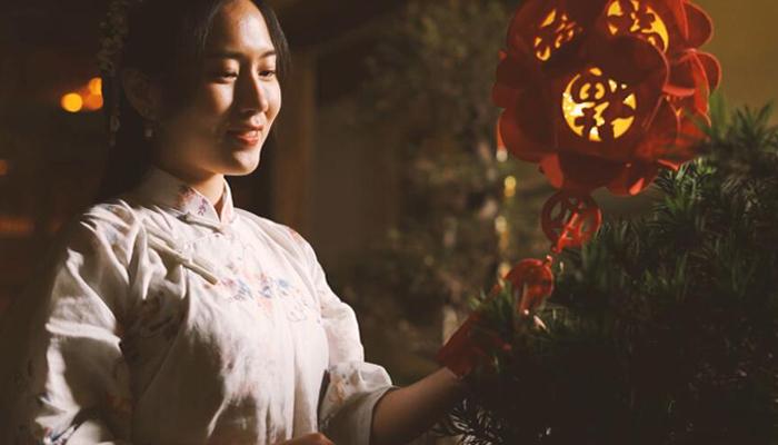 網絡中國節 【MV】元宵:火樹銀花,綴滿街巷 漫步街頭,流光溢彩