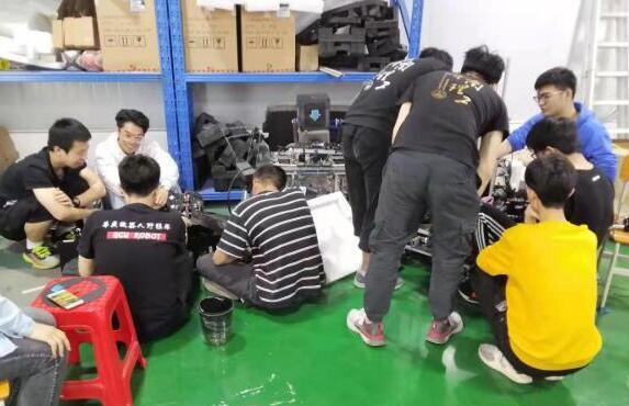 廣州城市理工學院成功舉辦四校ROBOMASTER機器人友誼賽