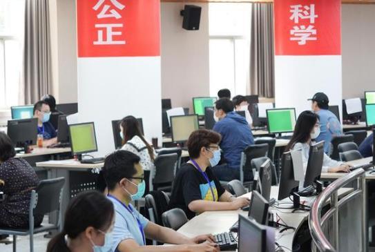 北京6月25日中午前發布高考成績 一千二百余名教師參與評卷